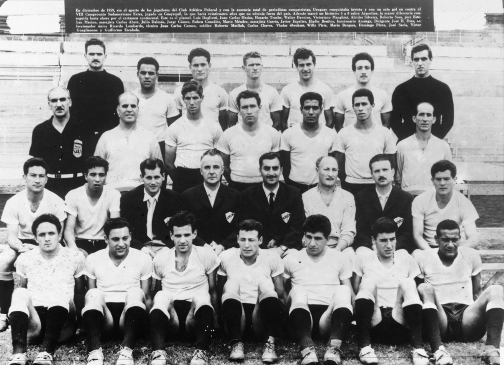 La selección uruguaya tras la consagración en Ecuador en 1959.