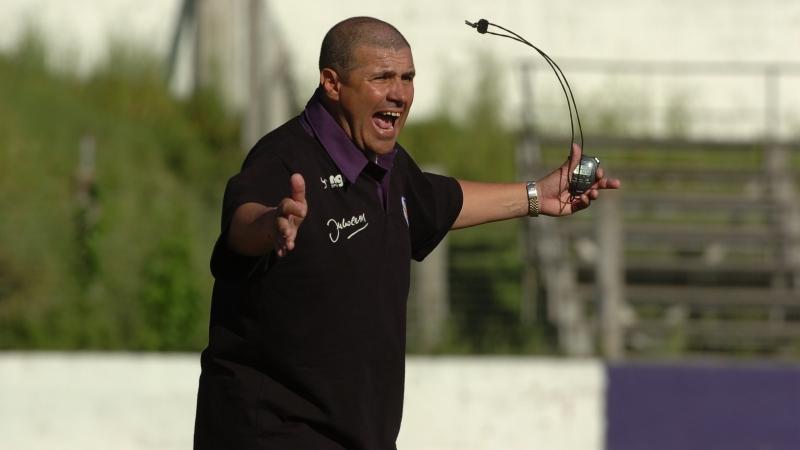 Julio Ribas durante un partido