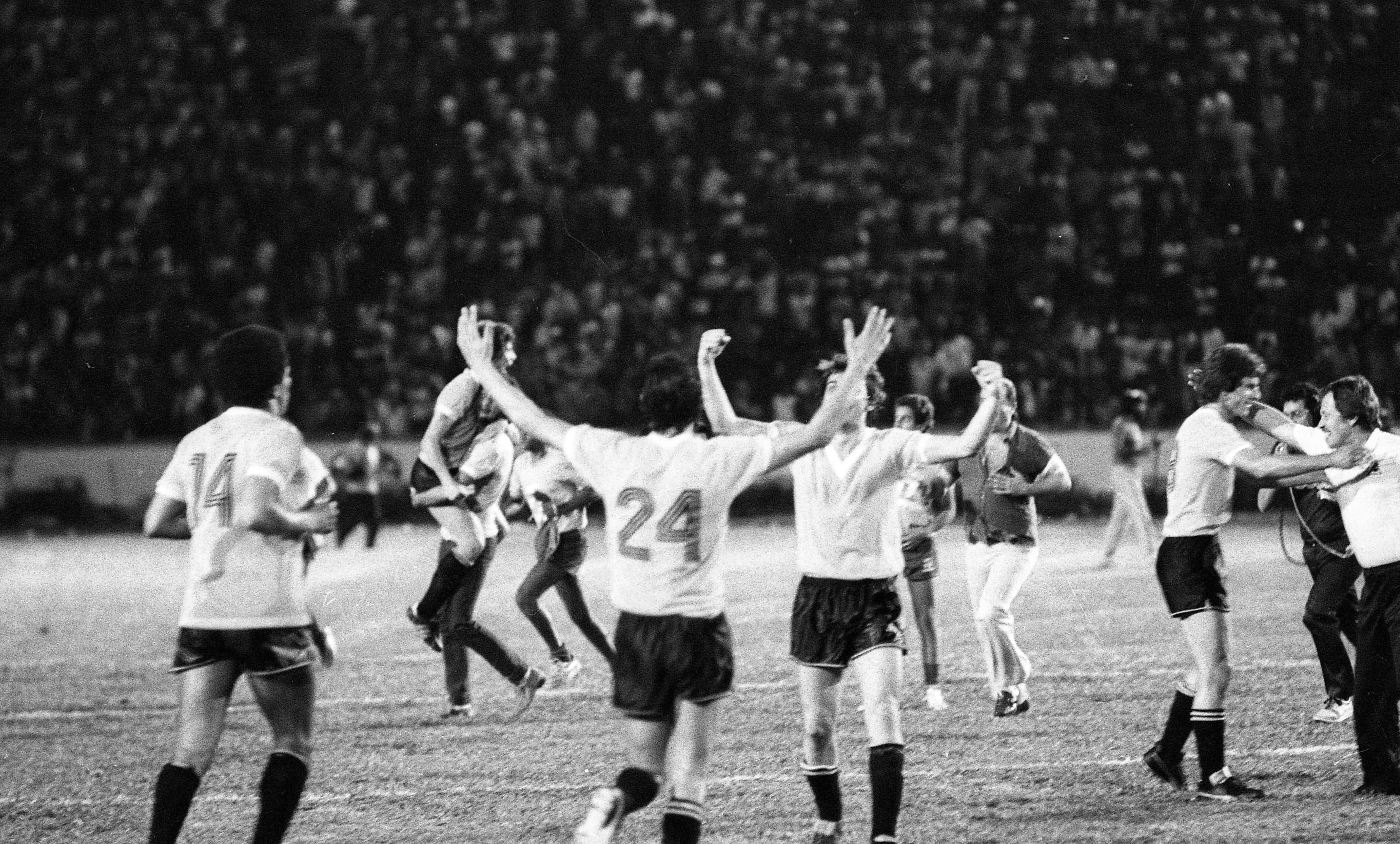 Los jugadores de Uruguay celebran el título ante Brasil en 1983.
