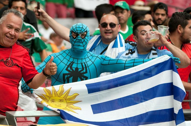 Los hinchas de Uruguay en la tribuna