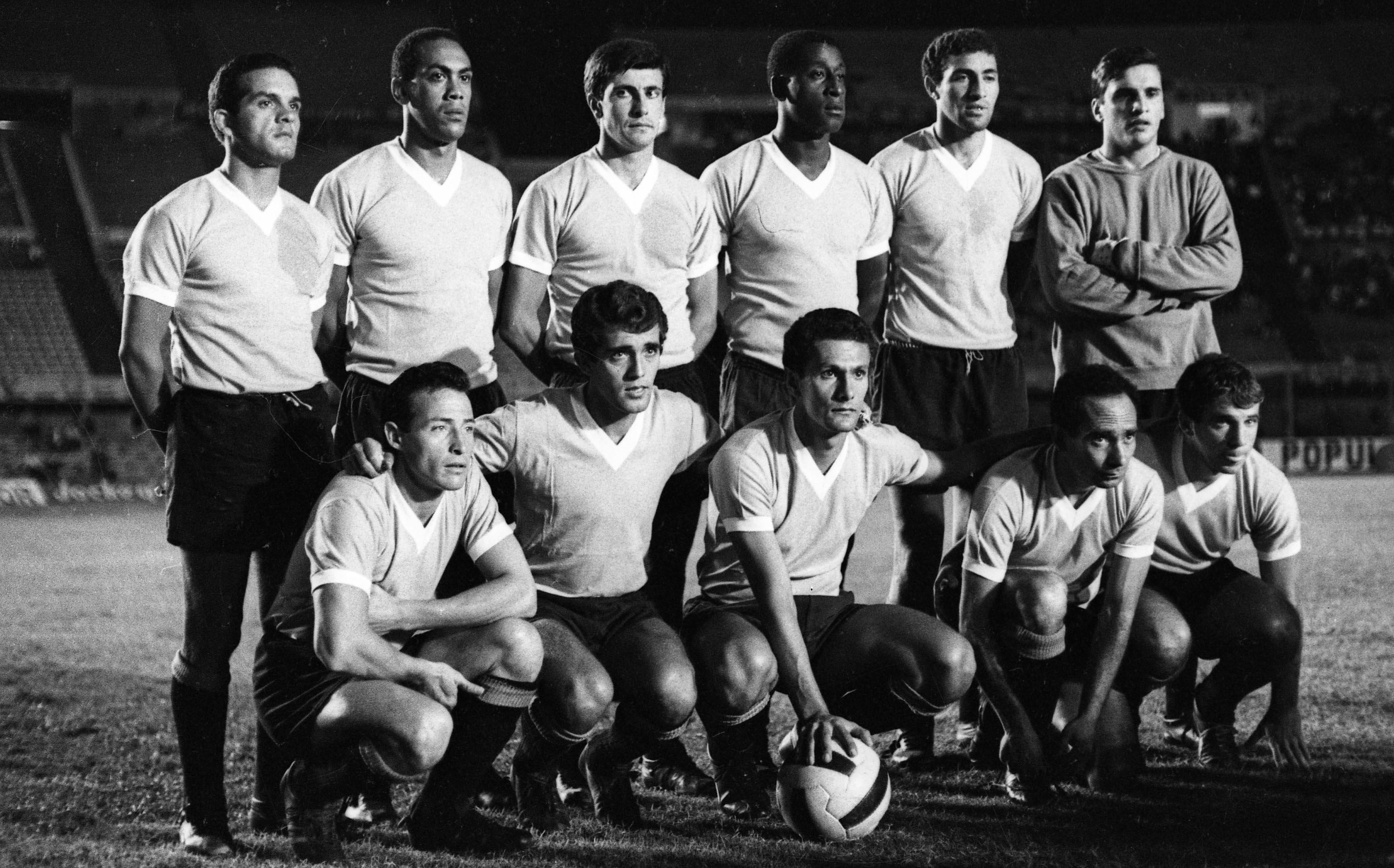 El equipo titular de Uruguay en 1967.