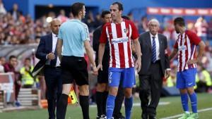 Diego Godín fue expulsado ante Eibar