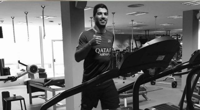 Luis Suárez entrenando en Barcelona.