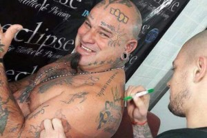 Tatuaje de la firma de Gastón Guruceaga
