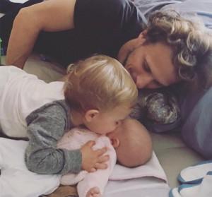 Diego Forlán con sus hijos
