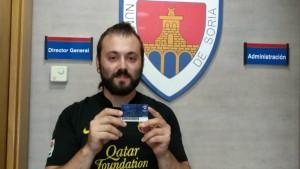 El abonado N°4000 del Numancia.. con la del Barça. Foto: @cdnumancia