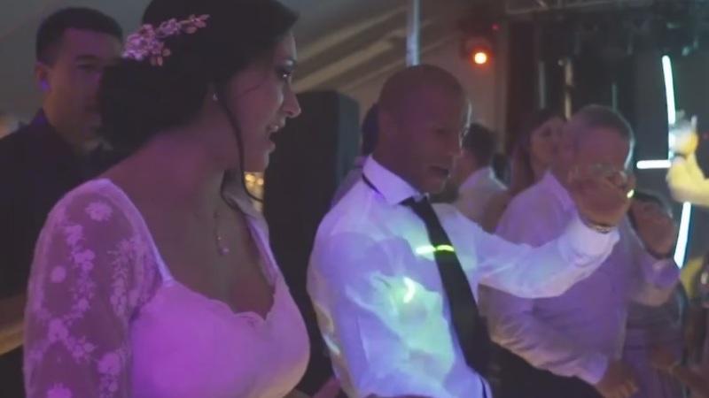 Carlos Sánchez y su esposa en el casamiento