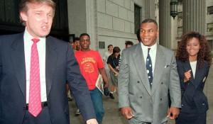 Mike Tyson junto al actual presidente