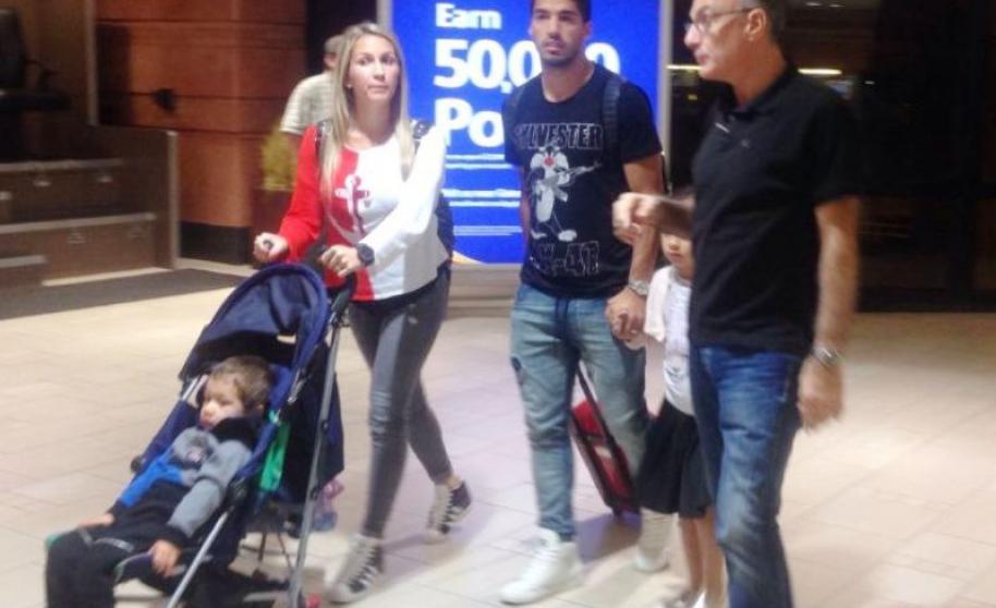 Luis Suárez en su llegada al hotel en Phoenix.